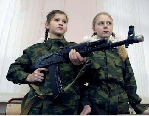 076-モスクワ第9士官候補生女子寄宿学校-10