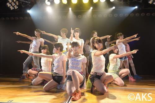 001-AKB48-TeamB