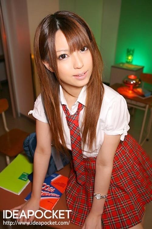 初美りおん-School-11