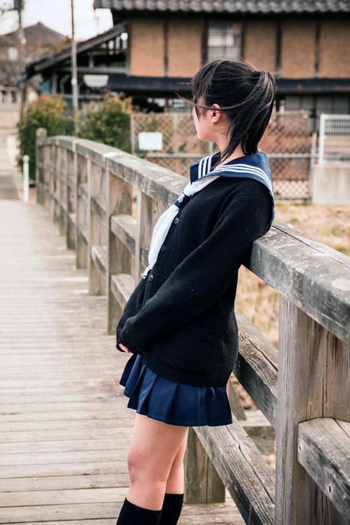 女子学生-image-05