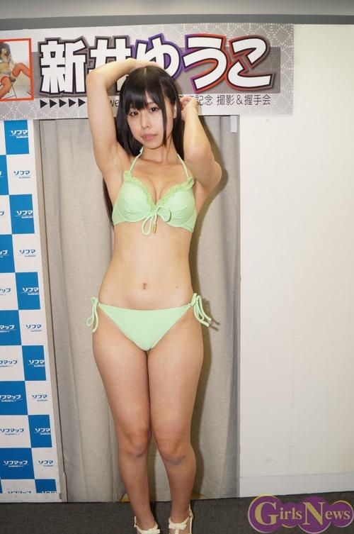 新井ゆうこ-130818-ソフマップ-07