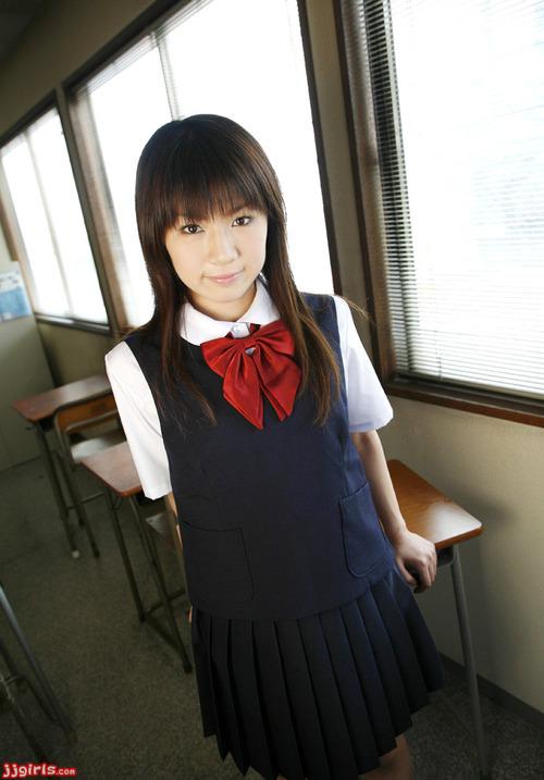 野中あんり-制服-01