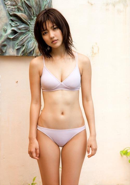 064-真野恵里菜