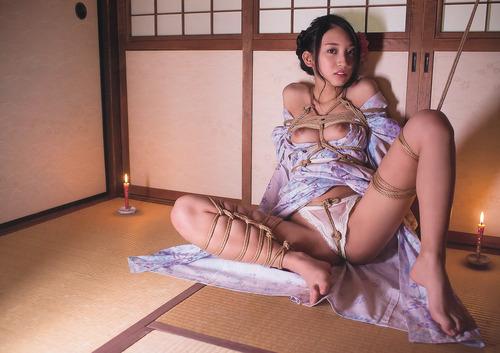 辻本杏-140501-YoungAnimal-14