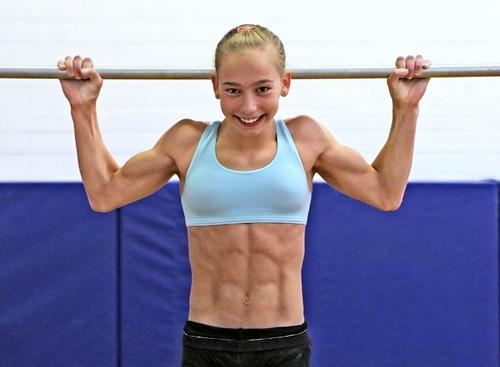 029-女子体操選手-02