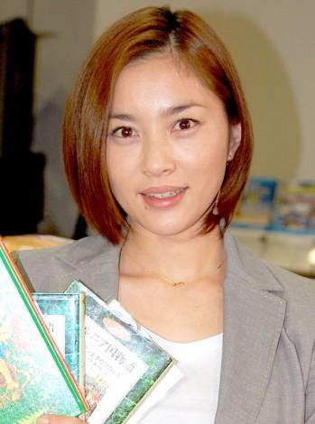 笑顔の瀬戸朝香さん