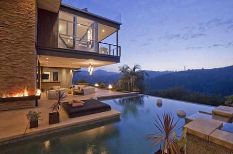patio-offers-plenty-space-lounge-take-views