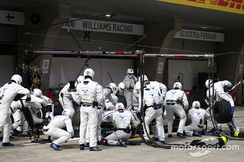 f1-chinese-gp-2016-valtteri-bottas-williams-fw38-pit-stop