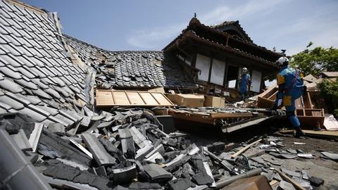 Japanese+earthquakes+send+ripples+through+auto+industry