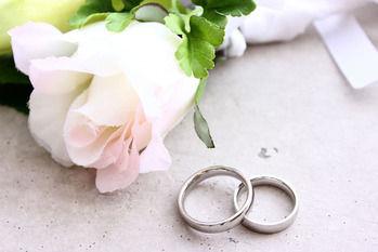 【可愛い嫁】嫁、20歳下。医師なので、経済的には余裕がある。嫁父にも「そうじゃなければ許さなかった」と言われた。結婚9年目だけど、愛おしくてたまらない。