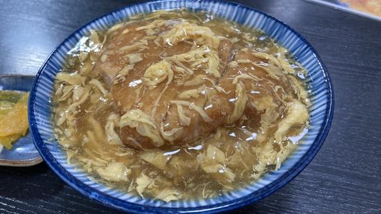 【画像】ワイ「カツ丼一つください」中華料理屋店主「あいヨ!」