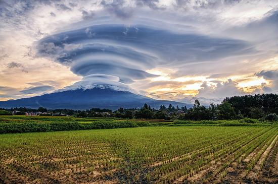 【画像】富士山がなんかヤバイそうwwwwwwww