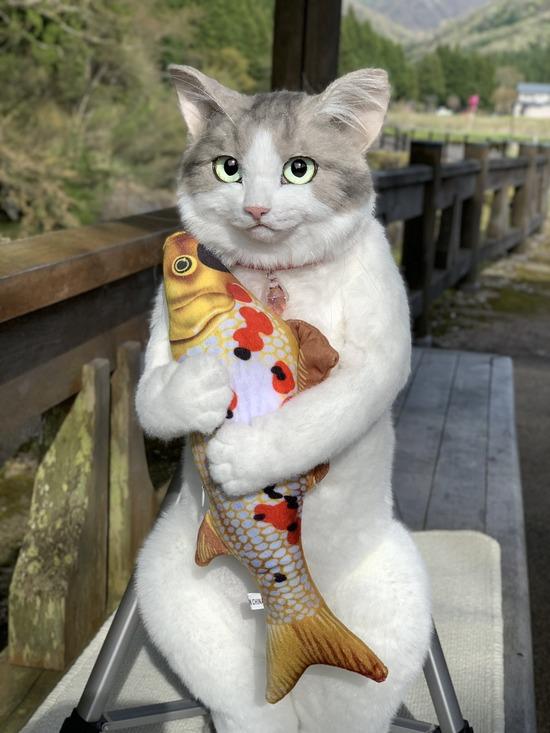 【画像】この猫型バッグめちゃくちゃ欲しいwww