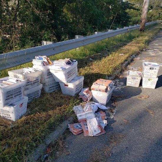 トランプ支持者さん、なぜか大量に廃棄された投票用紙を偶然見つけてしまうwww