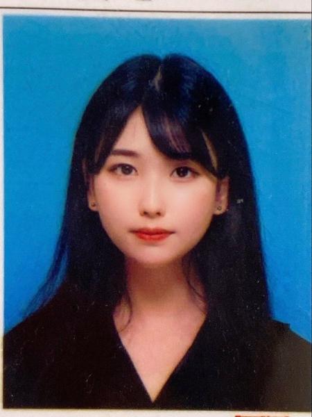 【画像】免許の無加工写真で美人に写れる女wwwwwwwwwww