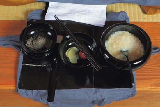 【画像】永平寺の修行僧の昼食ヤバすぎるwwwwwww