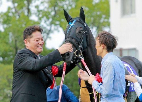 【競馬】重い馬場でも大丈夫なヴィブロス凱旋門行ってればよかったろ