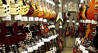 ストラトタイプのギターでおすすめ教えてくれ(Fender除く)