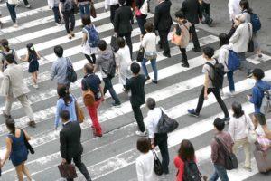 【競馬板】駅で歩くのが遅い女に囲まれて折り合いを欠いた