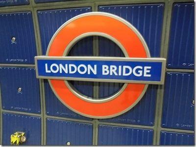 テロのあった駅ロンドンブリッジのチューブの表示