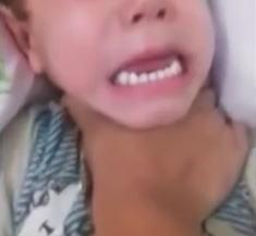 【閲覧注意】幼いわが子の首を絞めるという虐待(´°_°`)