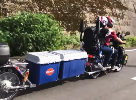 バイク動画。HONDAドリーム125で長ーいトレーラーをけん引するとこんな感じに。これは楽しそうwww