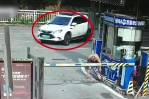 【閲覧注意】女さんが運転した結果・・・世界中で話題の動画