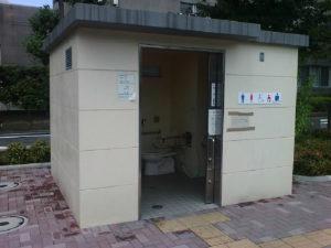 【閲覧注意】女が出て行った後の公衆トイレが超ヤバいと話題に・・・(動画あり)
