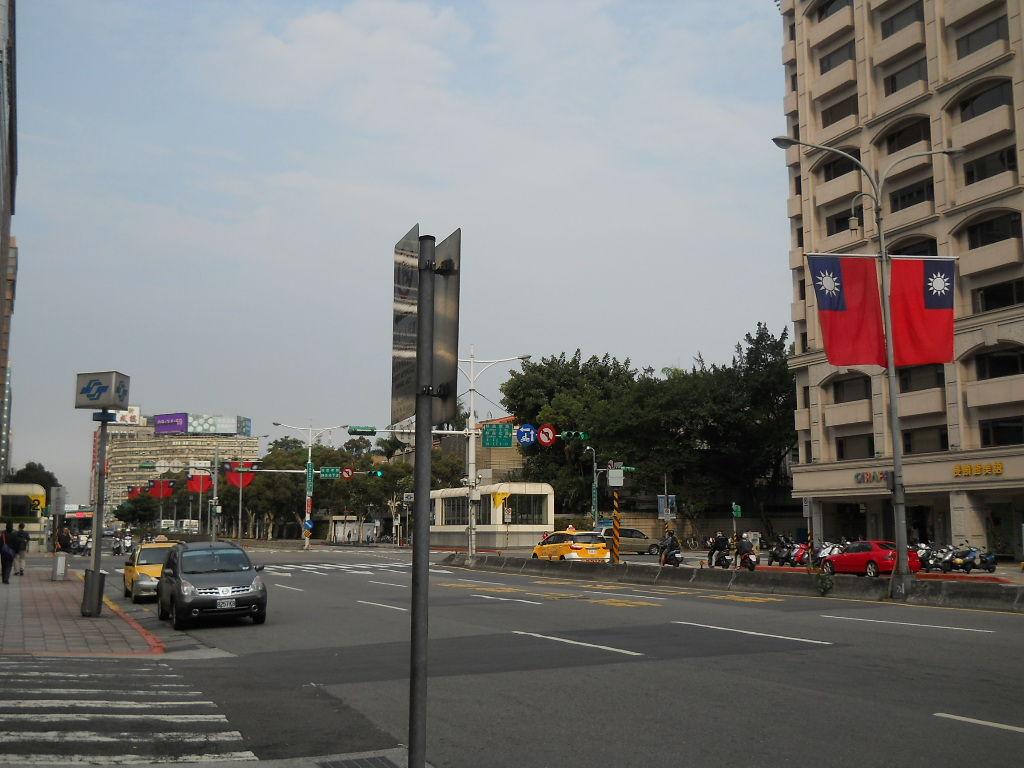 台北 腹ごなしに歩く : サラリーマンの日本および海外ふらふら旅