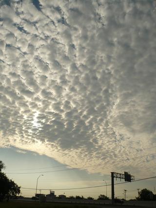 今日は雲がスゴイぜよ〜!(何故か竜馬風!)