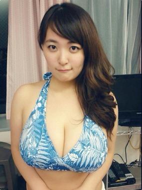 Yanase_Saki_Busty_Japan_model_huge_tits_pic_1015