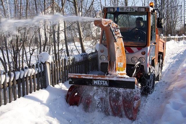 snow-thrower-70035_640