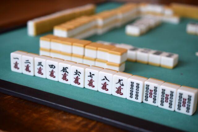 麻雀「ルール複雑です」「用意に手間がかかります」「運ゲーです」 ← こいつが天下とった理由