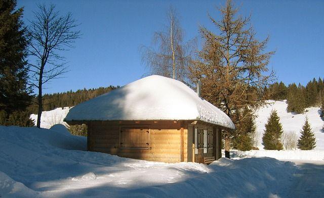 hut-65695_640
