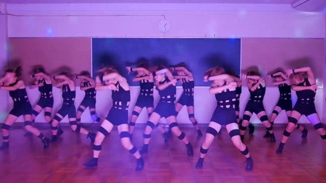 【朗報】 バブリーダンスで有名になった登美丘高校、えちえち衣装の新ダンスを公開