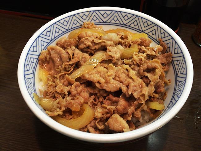 君は知っているか?世界最強の牛丼屋『丼太郎』  牛丼みそ汁付き260円!!