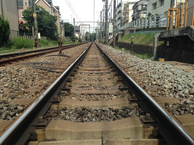 track-450460_960_720