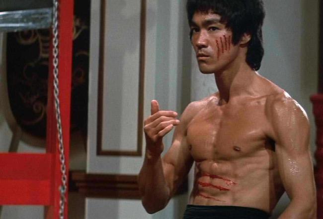 「ジークンドー」とかいう聞いた事はあるけど有名な使い手が一人も思い浮かばない拳法