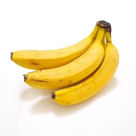 水俣市「バナナに貼られるシールは可燃ごみなので剥がして分別」