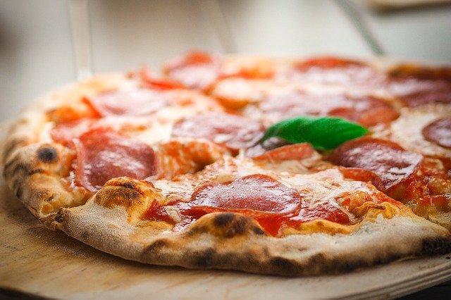pizza-1344720_640