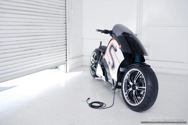 国産ベンチャーが電動バイク発売。デザインに一切妥協しなかった、オーラのあるバイクをご覧ください