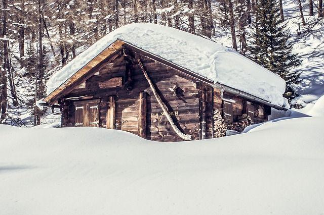 mountain-hut-1797562_640