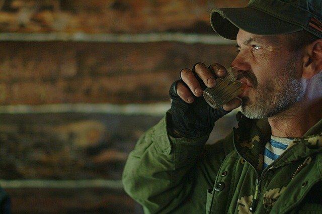 【悲報】 なんJ民「ロシア?ああ酒やろ」 ← アルコール消費量ランキング51位