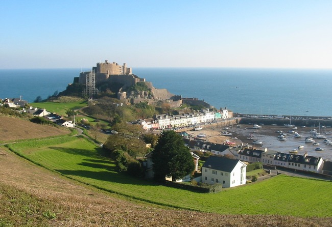 Mont_Orgueil_and_Gorey_harbour,_Jersey