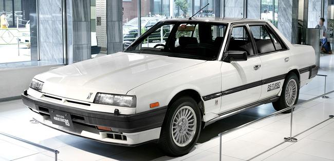 Nissan_Skyline_R30_2000_RS_Turbo-C_001