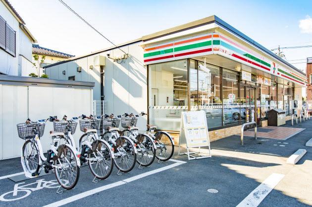 セブンイレブン、15分60円でシェア自転車の貸し出しを開始