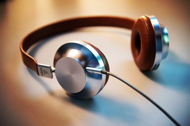 headphones-2591890_960_720