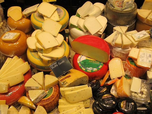 cheeses-389687_640