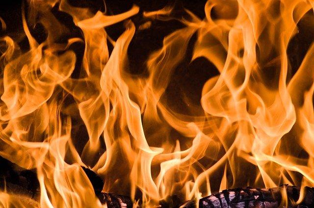 fire-g8e80d8615_640