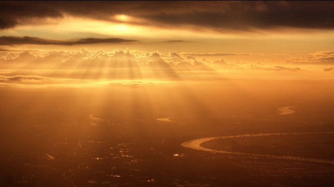 sunrise-from-an-airplane-window